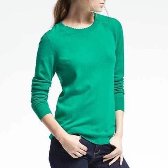 34189067b9 Banana Republic Sweaters - Banana Republic Kelly Green Scallop-Neck Sweater